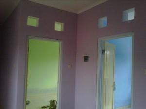 Pintu kamar Fay dan kamar utama