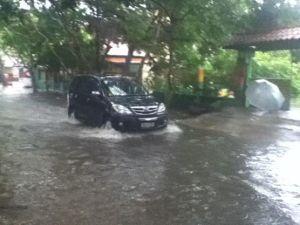 banjir_kantor2